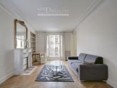 2996 - Location Appartement - 2 pièces - 41 m² - Paris (75) - rue du Colisée / Champs Elysées