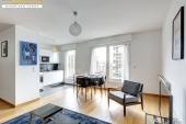 2135 - Location Appartement - 2 pièces - 57 m² - Paris (75) - Tour Eiffel